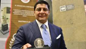 Carlos Aguilar Awarded Jose Sulaiman Medal