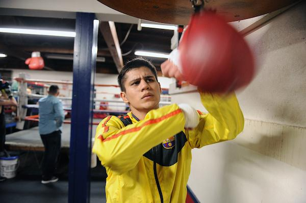 Danny Roman Defends NABA Super Bantamweight Title Friday in Ontario, CA.
