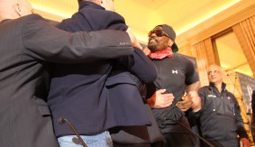 Kubrat Pulev & Dereck Chisora Almost Throw Down at Press Conference Ahead of Saturday's IBF Heavyweight Eliminator – VIDEO