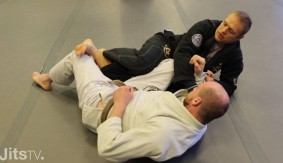 JitsMag Tutorial: Sweeping From De La Riva X-Guard with Nic Gregoriades