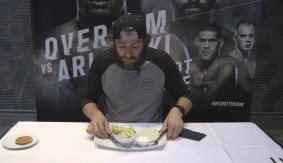 """Michael Chiesa Tries Dutch Food at UFC Fight Night Rotterdam – """"Do You Know the Heimlich?"""""""
