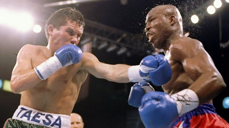 Round 8 of Julio Cesar Chavez vs. Meldrick Taylor 2 From Sept. 17, 1994