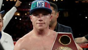 Canelo Alvarez Suffers Fractured Thumb in Knockout Win Over Liam Smith at HBO PPV