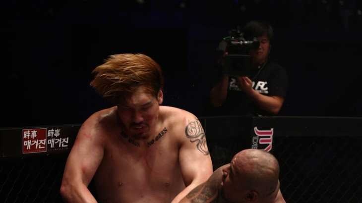 Full Report & Photos – ROAD FC 033: Mighty Mo Stops Hong Man Choi; Wins Openweight Championship