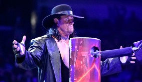 The Undertaker and Shawn Michaels Help Raw Maintain Audience