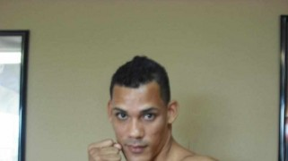 Roberto Acevedo Makes Main Events Debut on April 4