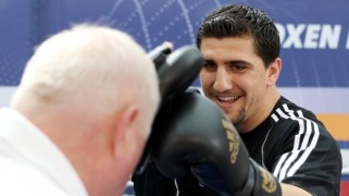 Marco Huck Aims to Equal Johnny Nelson's Record Aug. 30