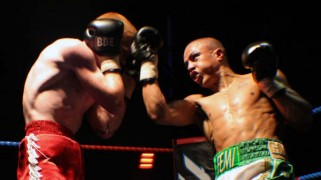 Fehintola Determined to Derail Sykes in Yorkshire Derby Bout