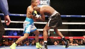 Boxing_ShoBox_ChrisPearson_AsacioFerreira_2013_120613