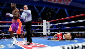 Rigondeaux Scores First-Round KO in Odd Fight