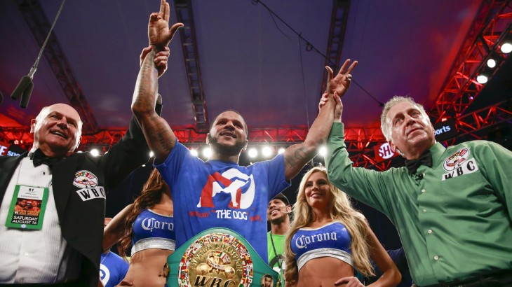 Dirrell Outlasts Bika to Win WBC Super Middleweight Title