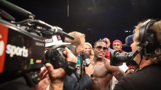 Full Report & Photos – Showtime Boxing: Broner Wins Decision