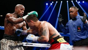Mayweather Easily Outworks Maidana in Rematch