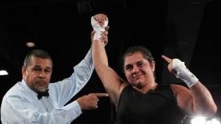 Sonya Lamonakis to Fight for IBO Female Title Tonight