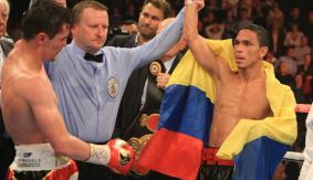 Darleys Perez Rematches Anthony Crolla on Nov. 21, to Air on AWE in U.S.