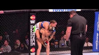 Video – UFC 175 Free Fight: Ronda Rousey vs. Liz Carmouche