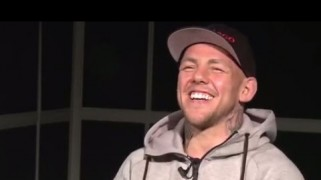 Video – UFC Fight Night 55: Rapid Fire with Ross Pearson