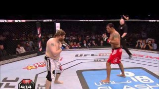 Video – UFC Fight Night Japan Free Fight: Nelson vs. Big Nog