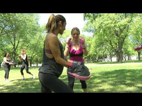 FN Video: Femme Fitale Gives Sarah Davis a Workout
