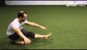 JitsTV: How to Properly Warm Up Hips